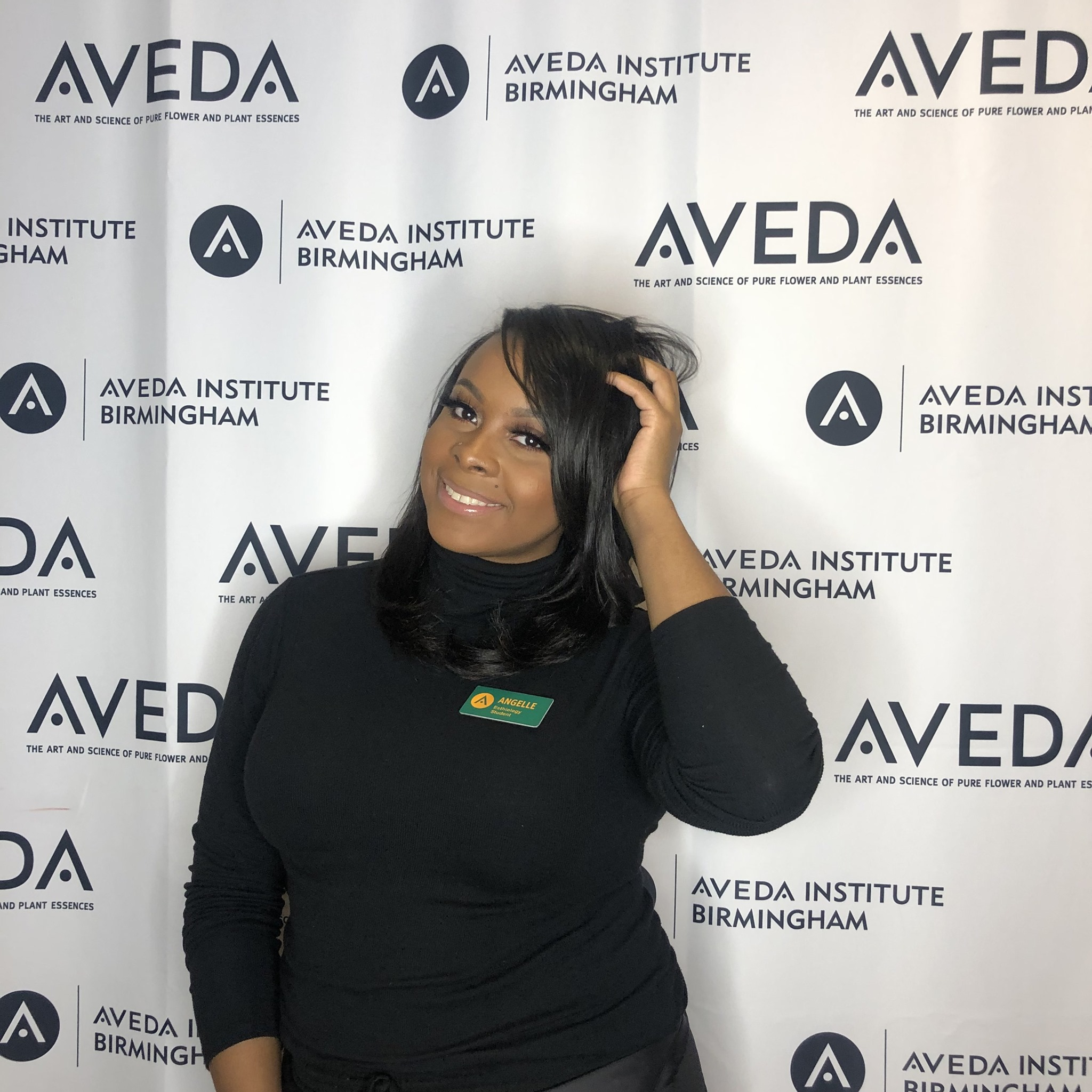 Haute Handz Salon is truly excited to welcome Angelle,our new Makeup & Esthetics Artist to the team